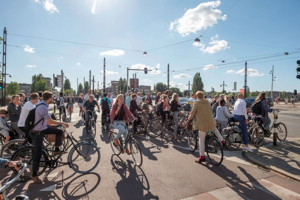 Veranderende mobiliteit uit: Groot-Amsterdam (2020) © Theo Baart