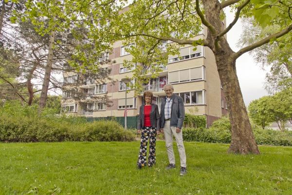 Jan en Toos Pijnaker in hun wijk Pax.